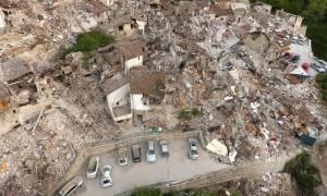 Σεισμός Ιταλία: Υποσχέσεις Ρέντσι για ανοικοδόμηση των ισοπεδωμένων περιοχών από τον φονικό σεισμό