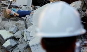 Σεισμός Ιταλία: Θρήνος, νεκροί και χαλάσματα - Συγκλονίζουν οι ιστορίες των θυμάτων (pics)