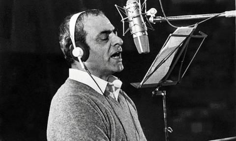 Σαν σήμερα το 1931 γεννήθηκε ο τραγουδιστής και μουσικοσυνθέτης Στέλιος Καζαντζίδης