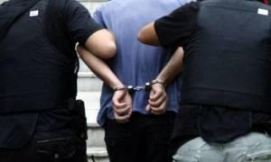 Θεσσαλονίκη: Χειροπέδες σε νεαρό που μαχαίρωσε και σκότωσε τον πατριό του