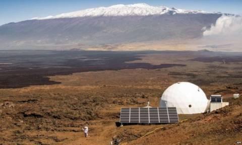 Πείραμα της NASA για αποστολή στον Άρη: Βγήκαν στον κόσμο μετά από ένα χρόνο απομόνωσης (vid)