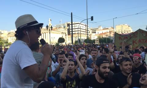 Συγκέντρωση αλληλεγγύης στα Προπύλαια για την επίθεση στην κατάληψη «Νοταρά 26» (photos&video)