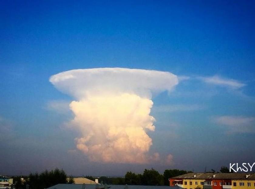 Παγκόσμια ανησυχία: Γιγάντιο «μανιτάρι» στον ουρανό προαναγγέλλει πυρηνική «Αποκάλυψη»; (video+pics)