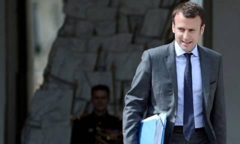 Γαλλία: Παραιτήθηκε ο υπουργός Οικονομίας Εμανουέλ Μακρόν