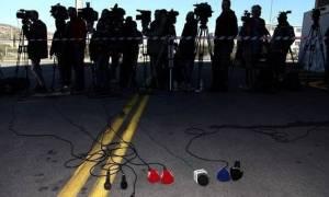 Τηλεοπτικές άδειες: Θρίλερ με τα «χρυσά συμβόλαια» δύο τηλεστάρ