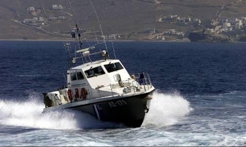 Στην Ηγουμενίτσα μεταφέρονται οι 29 μετανάστες που επέβαιναν στο ακυβέρνητο σκάφος