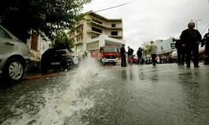 «Άνοιξαν οι ουρανοί» στην Καρδίτσα: Προβλήματα από την έντονη βροχόπτωση (pics)