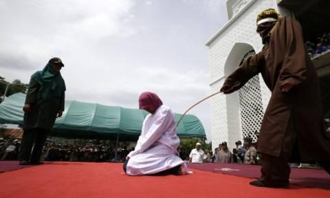Σαουδική Αραβία: Χλεύασε το Κοράνι και τον μαστίγωσαν 2.000 φορές
