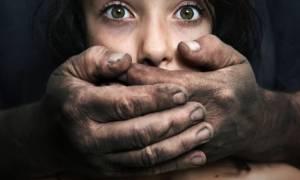 Σοκ στην Αθήνα: Βίασε 20χρονη και την απειλούσε με «ροζ» φωτογραφίες