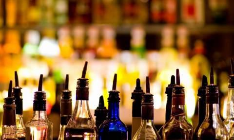 Στην Αγγλία μεταφέρεται η τουρίστρια που τυφλώθηκε από νοθευμένα ποτά στη Ζάκυνθο