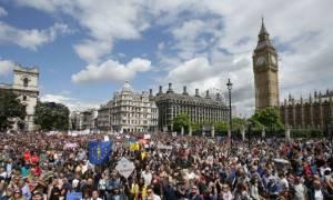 Λονδίνο: Χιλιάδες πολίτες κατα του Brexit