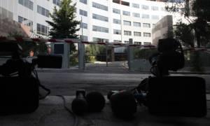 Τηλεοπτικές άδειες: Ο Τσίπρας κερδίζει, το κράτος χάνει λεφτά!