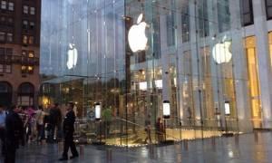 Γιούνκερ: Η απόφαση για την Apple βασίζεται σε γεγονότα και κανόνες