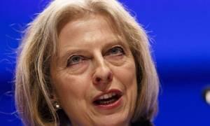 Τερέζα Μέι: Το Brexit φέρνει δύσκολες «εποχές» στην οικονομία