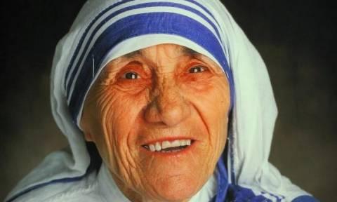 Βατικάνο: Αγιοποιήθηκε η Μητέρα Τερέζα