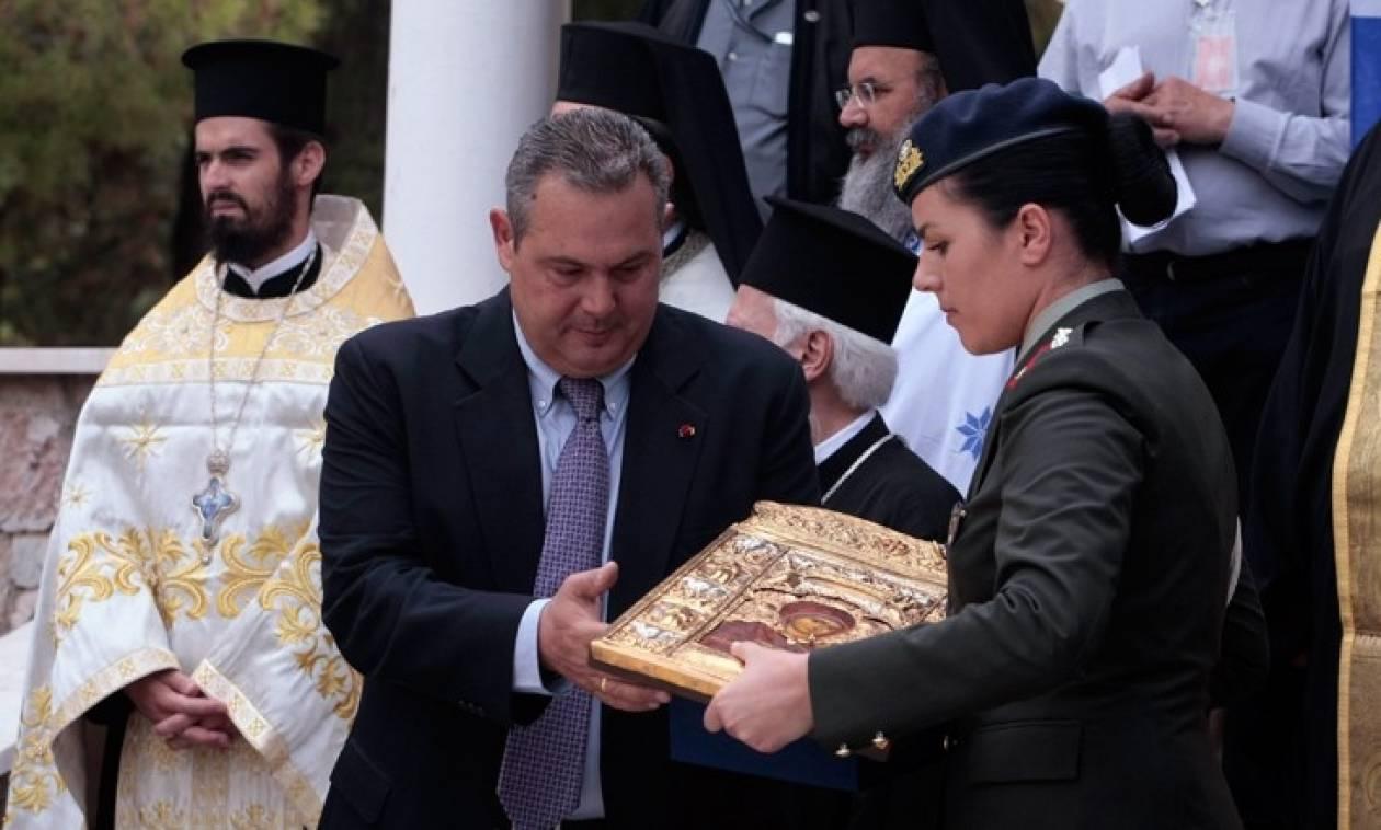 Ντροπή! Ο ΣΥΡΙΖΑ και οι ΑΝ.ΕΛ. καταργούν την προσευχή στα σχολεία!