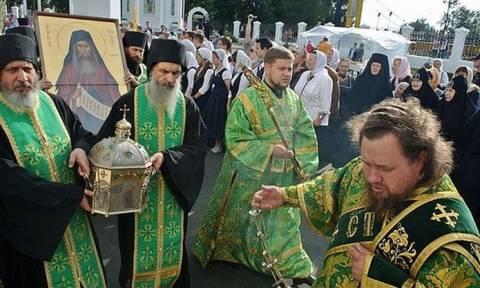 Τα λείψανα του Αγίου Σιλουανού από το Άγιο Όρος στη Ρωσία