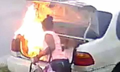 Ήθελε να πάρει εκδίκηση από τον πρώην της αλλά έκαψε λάθος αυτοκίνητο! (vid)