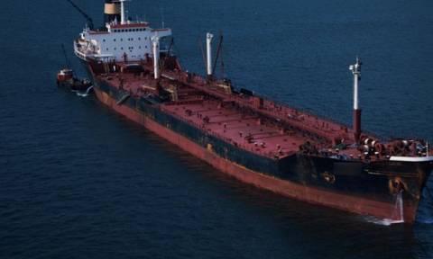 Ακυβέρνητο δεξαμενόπλοιο έξω από την Κύθνο