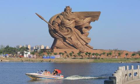 Ολοκληρώθηκε «Ο Θεός του Πολέμου», το επικό άγαλμα που ζυγίζει 1.320 τόνους (Pics)