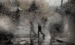 ΤΩΡΑ: Κακοκαιρία – Βρέχει και στην Αττική