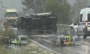 Κακοκαιρία: Τροχαίο με Έλληνες στρατιώτες στα Ιωάννινα (pic+vid)