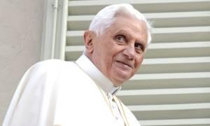 Η αποκάλυψη για το νεανικό έρωτα του πρώην πάπα Βενέδικτου