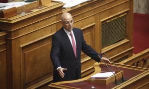 Τηλεοπτικές άδειες: «Πόλεμος» ΣΥΡΙΖΑ - ΝΔ με αφορμή τη δήλωση Δένδια