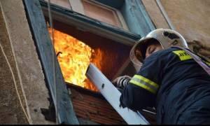 Φωτιά στην Κυψέλη: Με σοβαρά τραύματα απεγκλωβίστηκε άτομο με κινητικά προβλήματα