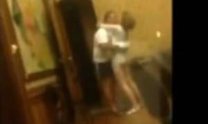 Αποκαλυπτικό βίντεο: «Καυτή» δήμαρχος απατά τον άντρα της μέσα στο δημαρχείο!