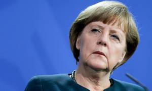 Γερμανία: Επίθεση κατά μέτωπο στη Μέρκελ από τους συμμάχους της για το προσφυγικό