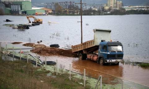 Κοζάνη: Αδιάβατη για τρίτη ημέρα η Εγνατία λόγω των πλημμυρών