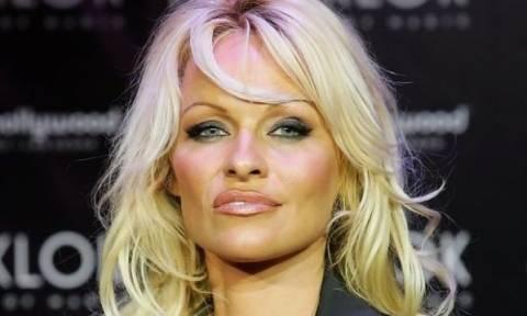 Η Pamela Anderson τόσο sexy όσο δεν πάει!