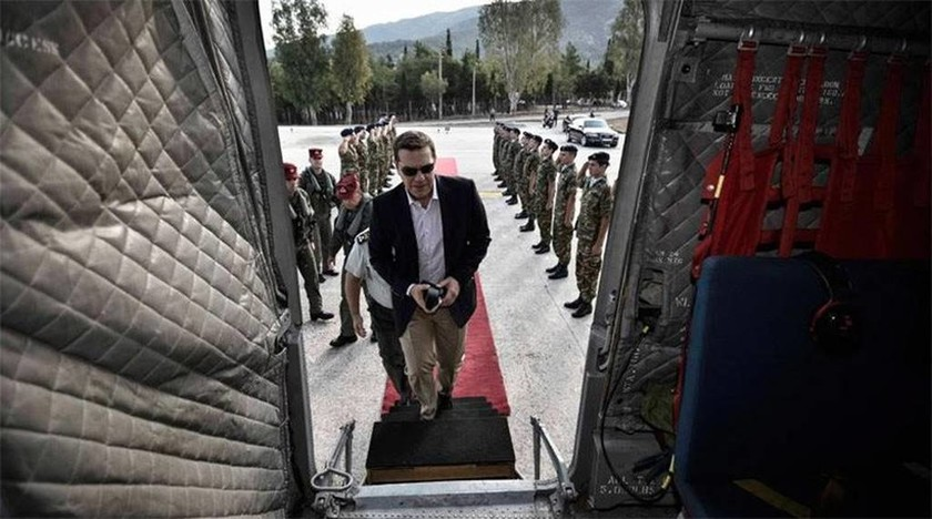 Τσίπρας: Πέταξε πάνω από την καμένη Θάσο και ανακοίνωσε μέτρα ανακούφισης των πληγέντων (pics)