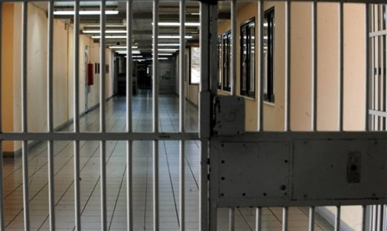 Κρεμάστηκε μέσα στο κελί του 49χρονος ισοβίτης