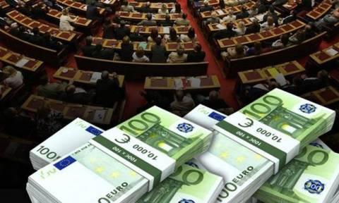 Έριξαν «βόμβα» οι δανειστές: Ζητούν να σταματήσει η χρηματοδότηση των κομμάτων!