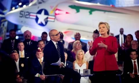 Χαμός με τη θεωρία συνομωσίας για τη Χίλαρι Κλίντον: Είναι νεκρή και χρησιμοποιούν σωσία;