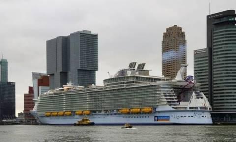 Τραγωδία στο μεγαλύτερο κρουαζιερόπλοιο του κόσμου – Ένας νεκρός, χαροπαλεύουν δύο