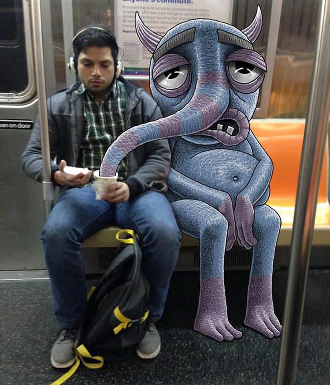 Ρούμπιν: Ο καρτουνίστας που ζωγραφίζει «τέρατα» δίπλα σε ανυποψίαστους επιβάτες του μετρό