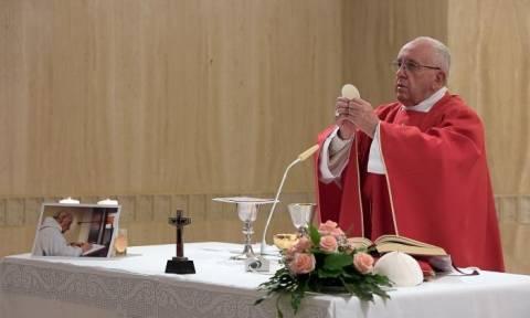 Πάπας Φραγκίσκος: Ο Γάλλος ιερέας που έσφαξαν οι τζιχαντιστές θα αγιοποιηθεί