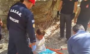 Καρέ - καρέ η διάσωση 25χρονου που τραυματίστηκε σε φαράγγι (vid)