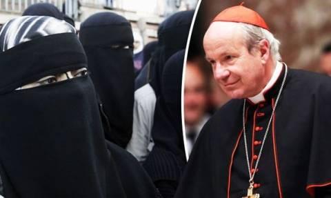 Αυτή είναι η αλήθεια: Θέλουν να εξαλείψουν το Χριστιανισμό και να κατακτήσουν την Ευρώπη (vid)