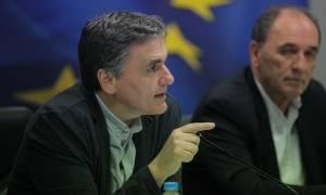 Αναχωρούν αύριο από την Αθήνα οι θεσμοί - Τελευταία συνάντηση με Τσακαλώτο και Σταθάκη