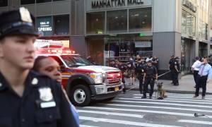 Νέα Υόρκη: Επίθεση με μπαλτά σε αστυνομικούς στο κέντρο του Μανχάταν (pic+vid)