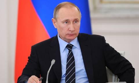 Ρωσία: Ο Πούτιν κάλεσε τους πολίτες να προσέλθουν στις κάλπες για τις κοινοβουλευτικές εκλογές