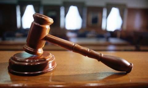 Αντιδρούν οι Δικαστικές Ενώσεις για τις νέες περικοπές μισθών