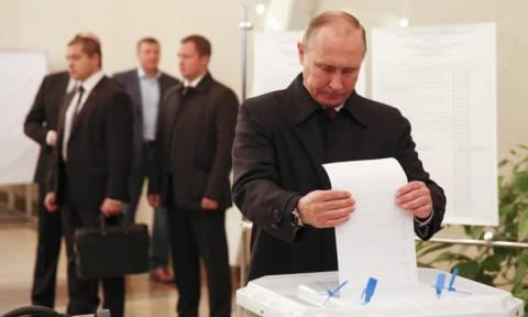 Ρωσία: Σαρωτική επικράτηση του κόμματος του Πούτιν στις βουλευτικές εκλογές