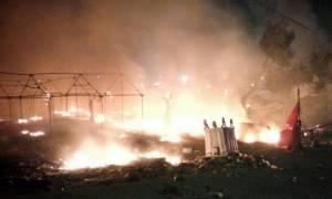 Χαμός ξανά στη Μυτιλήνη: Χιλιάδες μετανάστες, συγκρούσεις και φωτιές στους δρόμους (video)