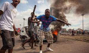 Λ.Δ. Κονγκό: 17 νεκροί σε συγκρούσεις μεταξύ αστυνομικών και διαδηλωτών στην Κινσάσα