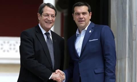 Το Κυπριακό στο επίκεντρο της συνάντησης Τσίπρα - Αναστασιάδη στη Νέα Υόρκη (vid)